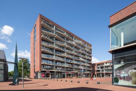 Stadsplein De Buitenban, Hoogvliet